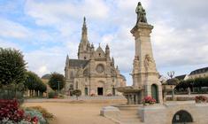 Sainte Anne d'Auray : pèlerinage des célibataires